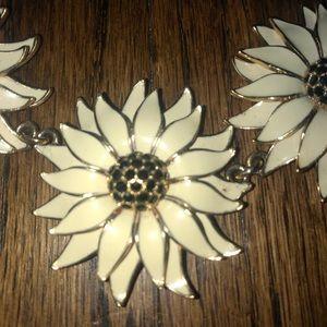 kate spade Jewelry - Kate Spade Gold Daisy Sunflower Necklace